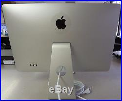 Apple Cinema A1267 24 Widescreen LCD Monitor, built-in Speakers with Power Cord