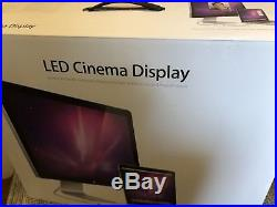 Apple Cinema A1267 24 Widescreen LCD Monitor with built-in speakers Read